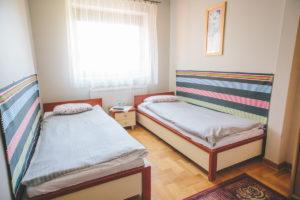 motel zodiak pokój z dwoma łóżkami