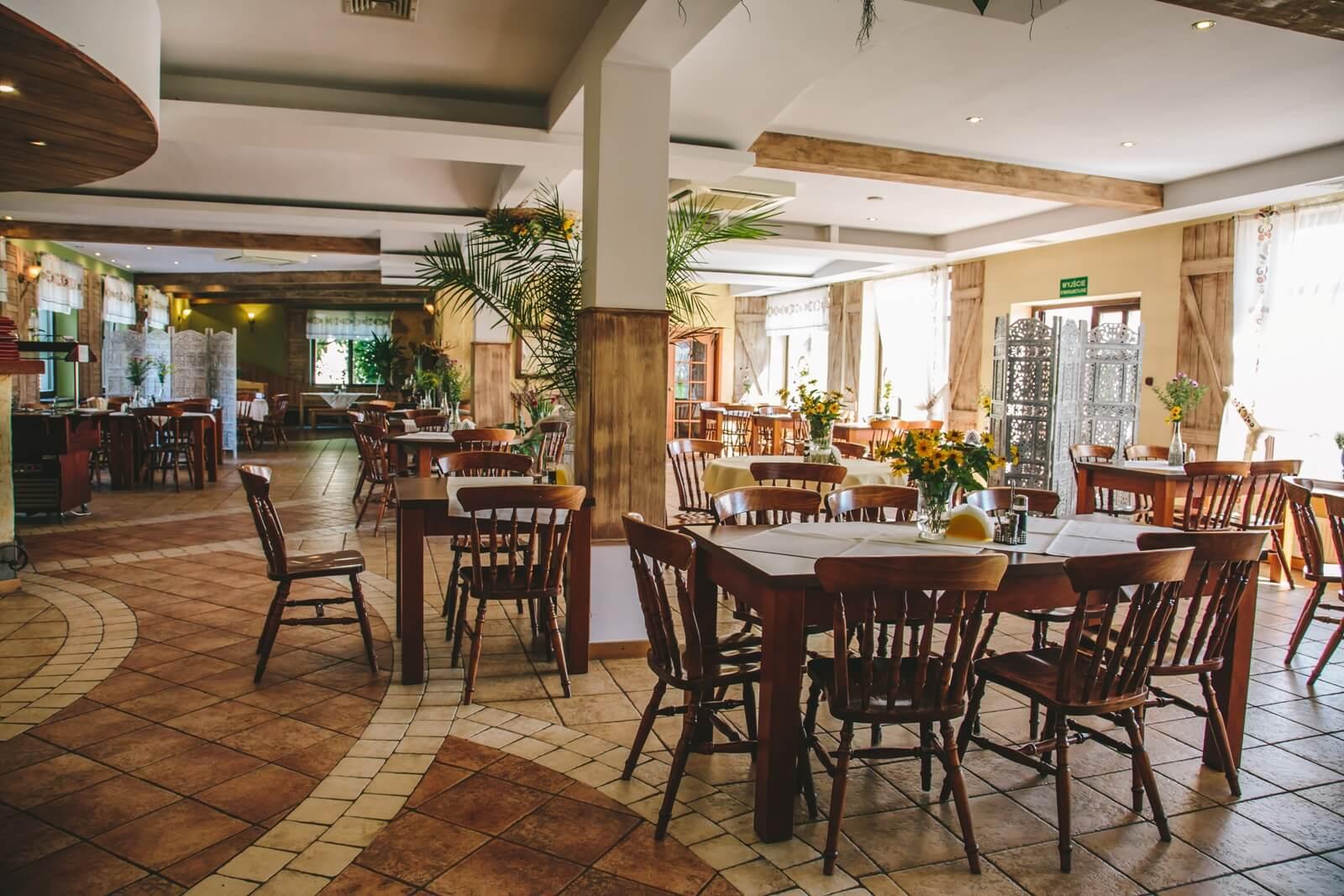 restauracja zodiak wnętrze sali